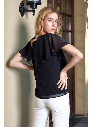 İroni V Yaka Kol Detaylı Şifon Bluz Siyah